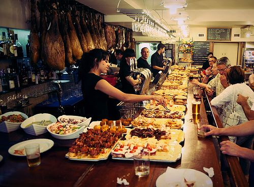 Spain eating out when spanish mealtimes