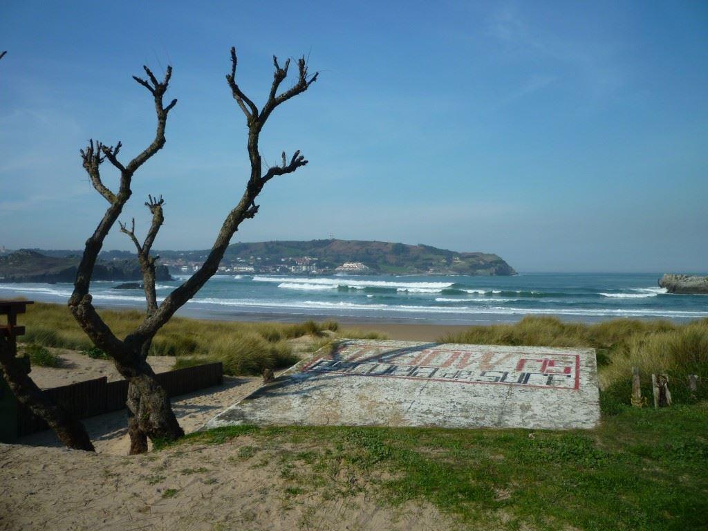 Totally Spain California Cantabria surfing school beaches