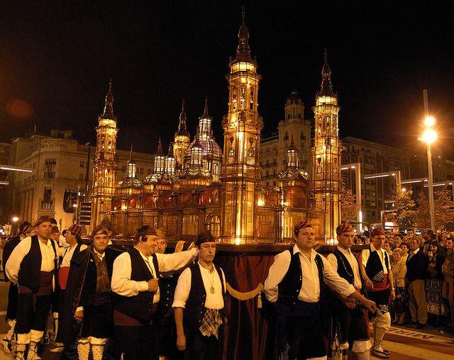 Totally Spain Mudejar Zaragoza Aragon Fiestas Pilar Rosario Cristal