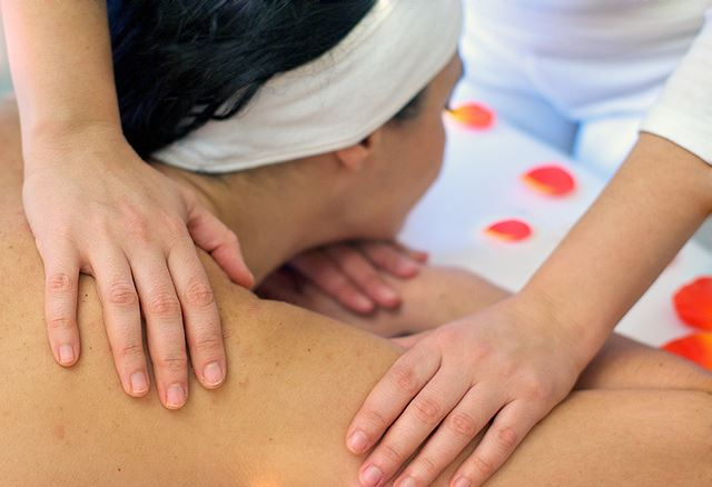 Totally Spain tipping customs Spain when how whether to tip hairdressers spas beauticians