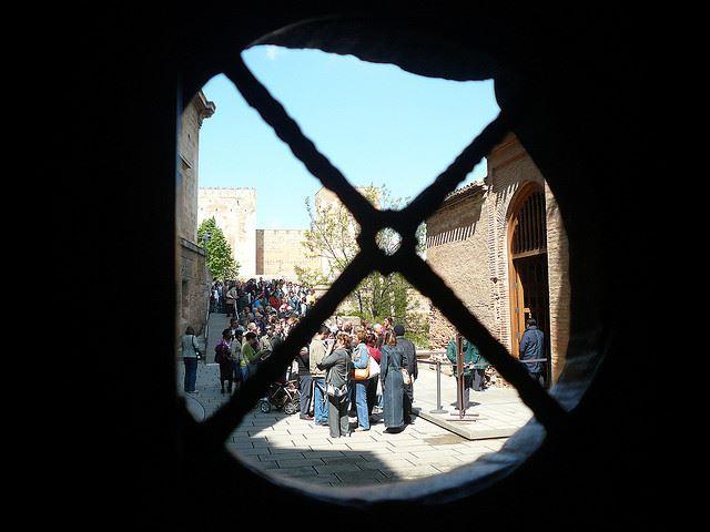 queues Spain monuments