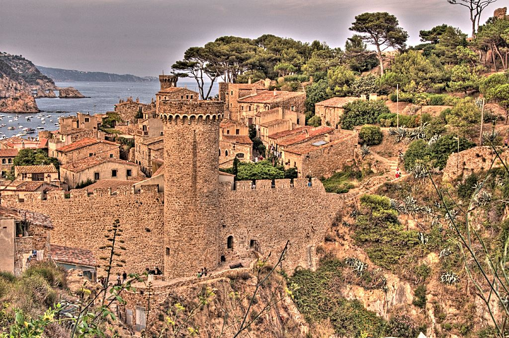Medieval walls muralla villas towers defence cities protection Spanish walled towns in Spain