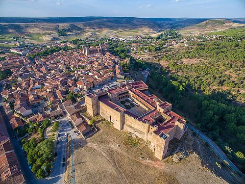 alcazar castle spain spanish castile castilla siguenza
