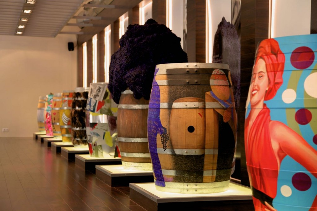 wineries with art in Spain